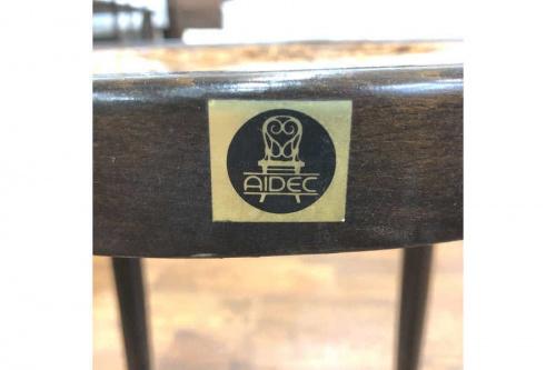 アイデックの曲木椅子