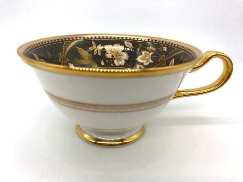 洋食器 中古のカップアンドソーサー