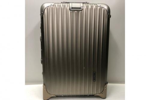 キャリーバッグのスーツケース