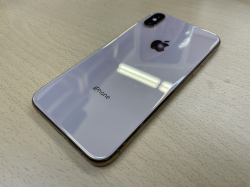 iPhone Xs 中古のiphone 中古