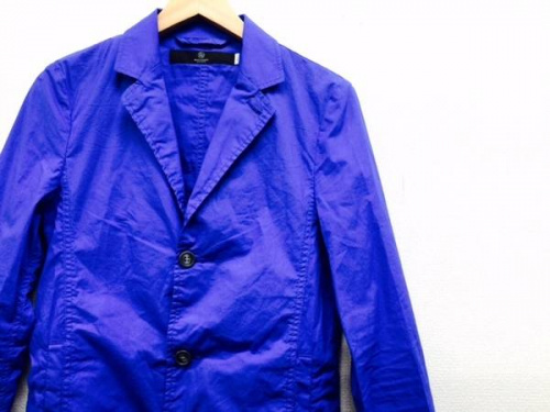 レディースファッションのチェスターコート