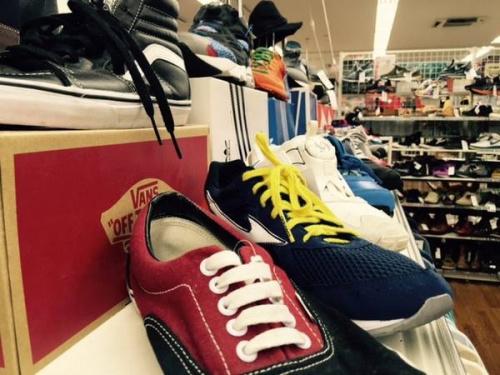 adidas(アディダス)の南浦和スニーカー