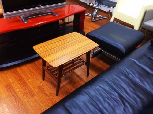 テーブルのカリモク60