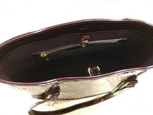 ヴェルニのハンドバッグ