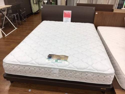 ダブルベッドのFrance Bed