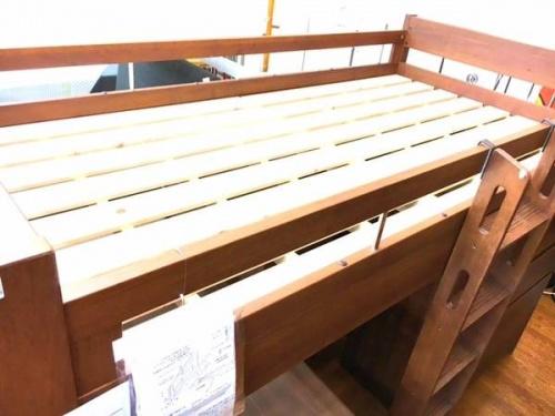 家具のシステムベッド