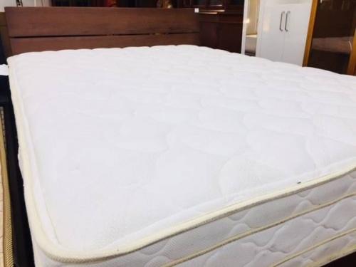 ダブルベッド 安いのベッド