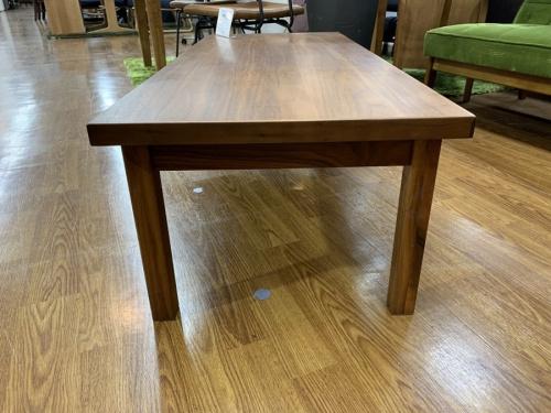 リビングテーブルの高野木工