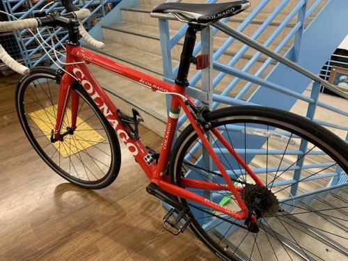 自転車のレースバイク