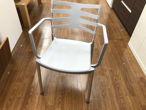 家具のアームチェア