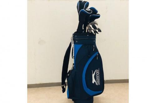 スポーツ用品のゴルフセット