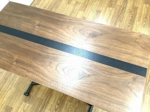 テーブルの生活家具