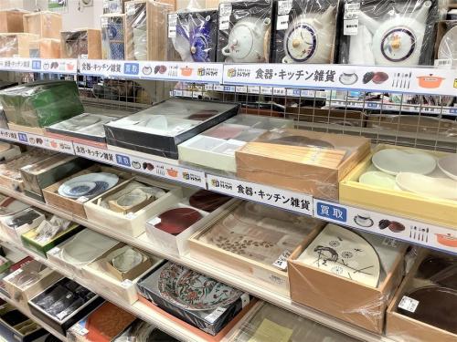冬物雑貨の土鍋・コーヒーメーカー