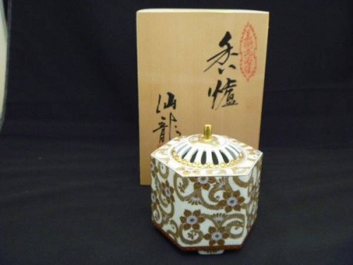 伝統工芸品の九谷焼