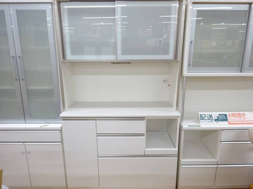 中古家具 大阪の中古食器棚 大阪