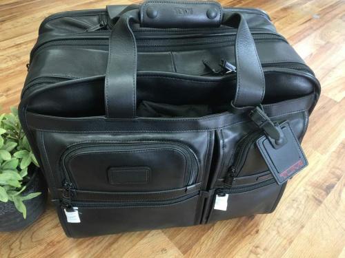 ブリーフバッグのバックパック