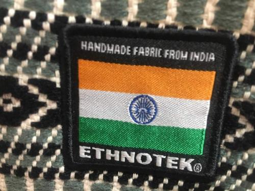 ETHNOTEKのブリーフバッグ