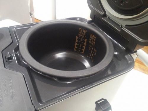 炊飯器のキッチン家電
