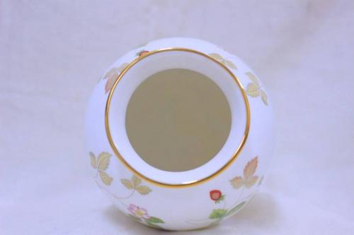 ワイルドストロベリーの花瓶
