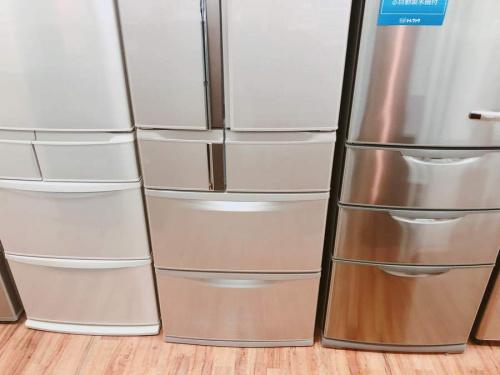 大型冷蔵庫のMITSUBISI