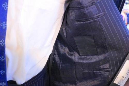 スーツのバッグ