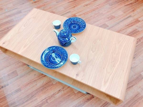 テーブルのTEOMARINA