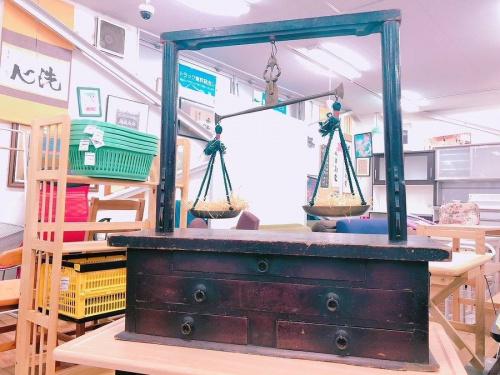 家具の両替天秤