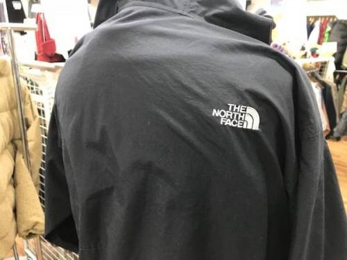 コンパクトジャケットのノースフェイス