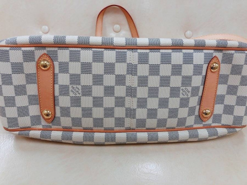 バッグ ヴィトンの財布 ヴィトン