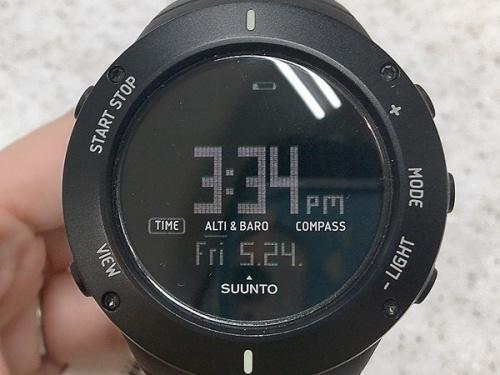 SUUNTO スントの腕時計 アウトドアウォッチ