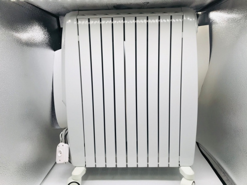 オイルヒーターのDeLonghi QSD0915-WH 2014年製
