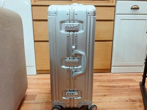 スーツケースのキャリー 中古