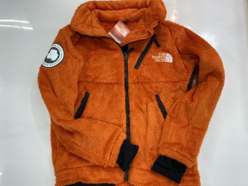 メンズ 衣類 未使用のフリースジャケット