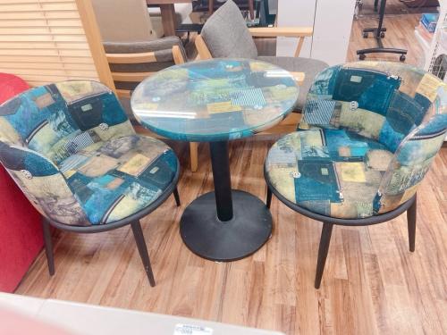 千葉 市川 船橋 江戸川 墨田 葛飾 幕張 中古家具のテーブル