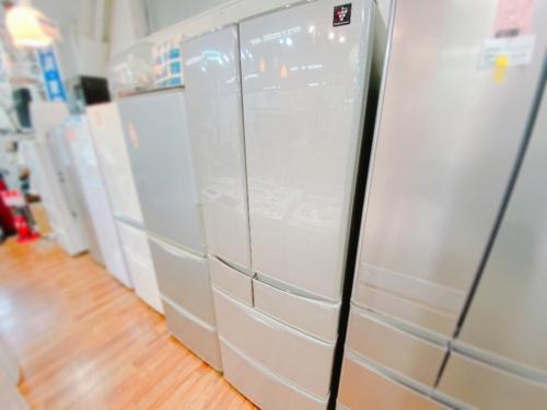 SHARP シャープの6ドア冷蔵庫
