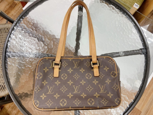 LOUIS VUITTON(ルイヴィトン)のシテMM