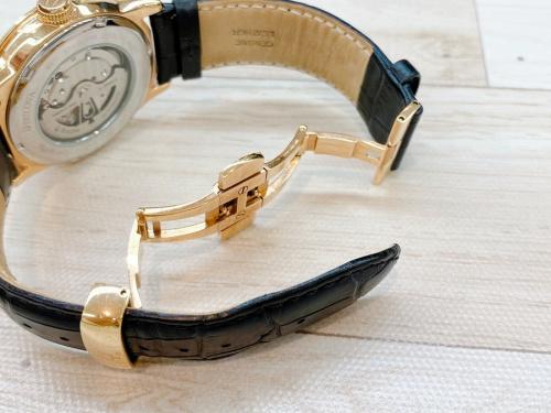 BULOVA ブローバの腕時計 紳士