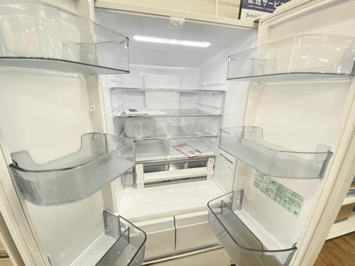 HITACHI 日立の6ドア冷蔵庫