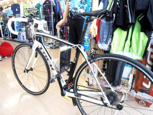 TREKのスポーツ自転車