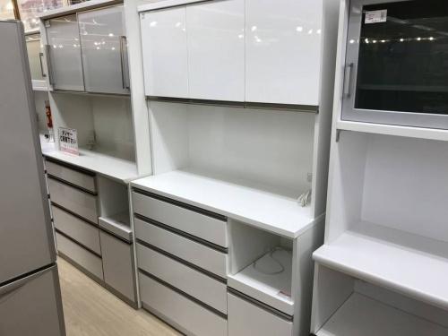 コスパ◎家具のカップボード・食器棚