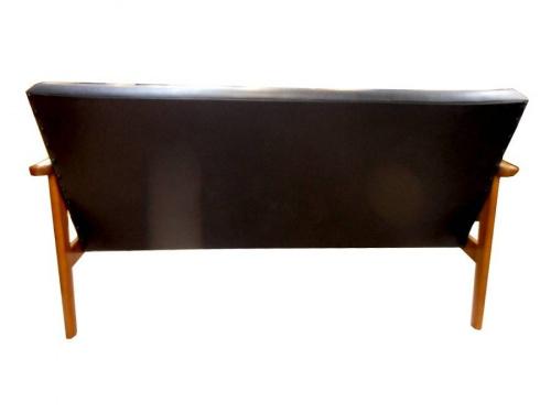 2人掛けソファーのカリモク60