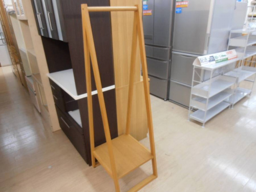家具のハンガーラック