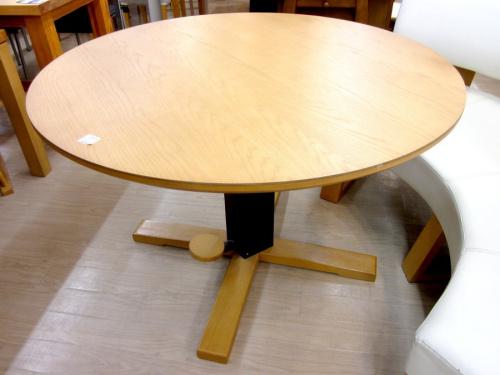 テーブルのダイニング2点セット