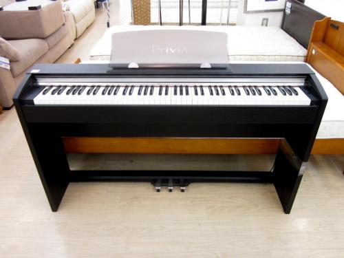 鍵盤楽器の電子ピアノ
