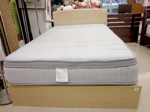 シングルベッドの引き出し付