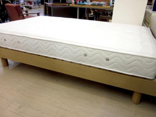 セミダブルベッドのSLEEPING
