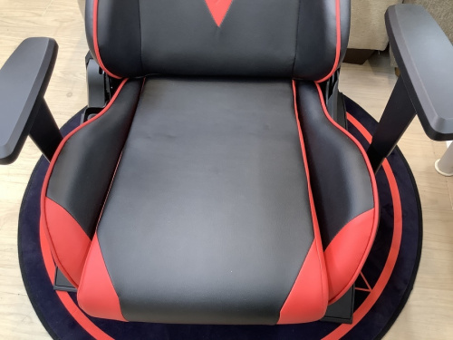 イスのゲーミング座椅子