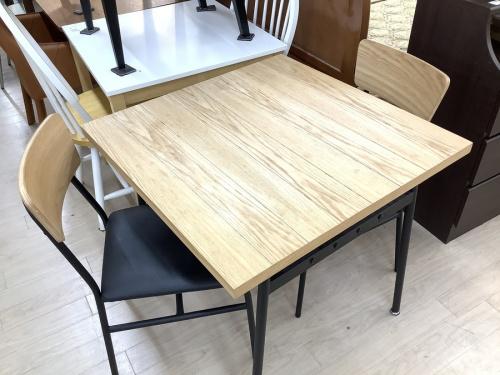 愛知 名古屋のテーブル