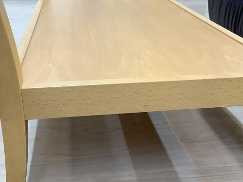 テーブルの棚付きリビングテーブル