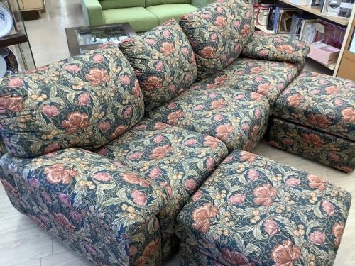 中古ソファーのカリモク